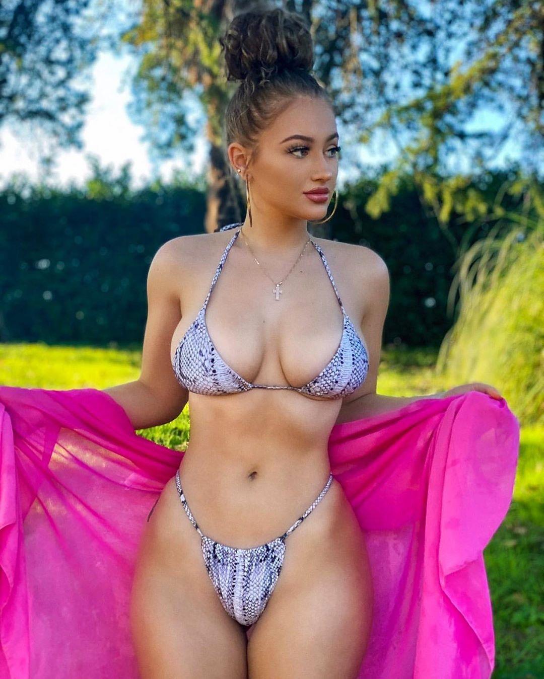 Iulia Valentina